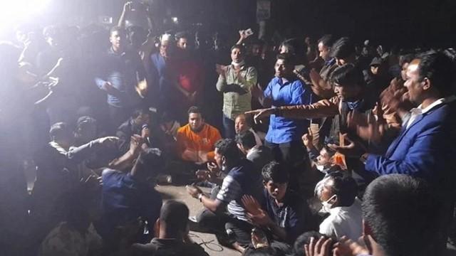 নোয়াখালীর কোম্পানীগঞ্জে অনির্দিষ্টকালের হরতাল চলছে