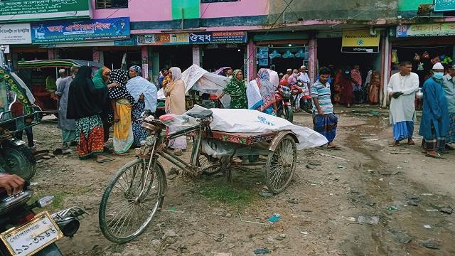 গোপালগঞ্জে মাইক্রোবাসের চাপায় বৃদ্ধ নিহত