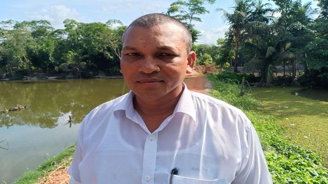কোটালীপাড়ায় জনসেবায় দৃষ্টান্ত স্থাপন করলেন ইউপি সদস্য সিদ্ধার্থ বাড়ৈ