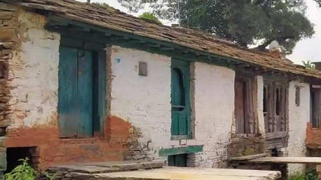 ৪০ বছর ধরে ডাকাতের ভয়ে জনমানবশূন্য আস্ত একটি গ্রাম