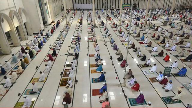 মসজিদে নামাজ আদায়ে নতুন নির্দেশনা ধর্ম মন্ত্রণালয়ের