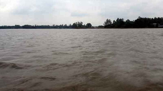 পানি বাড়ছে প্রধান নদ-নদীতে, কাল থেকে ভারি বৃষ্টি